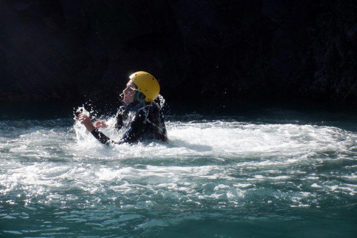 Coasteering st davids, coasteering blue lagoon, coasteering pembrokeshire, coasteering muuk adventures, coasteering, muuk-adventures location