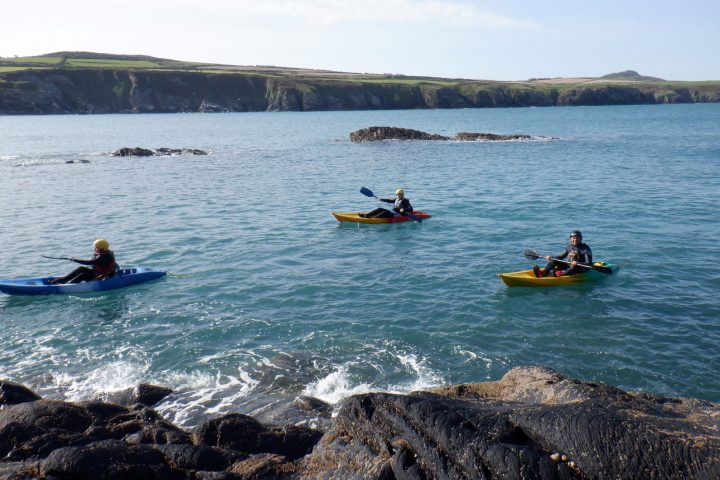 Kayaking Pembrokeshire, Kayaking St Davids, Kayaking Blue Lagoon, Kayaking Wales, Adventure Holidays, Muuk-adventures